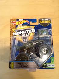 Julian's Hot Wheels Blog: Shark Shock Monster Jam Truck (2017 Creatures)