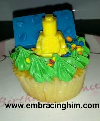 Pampered Chef Easy Accent Decorator Cupcakes by Taste Tested Tuesday Lego Cupcakes Embracing Him