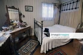stockfoto schlafzimmer aus dem 19 jahrhundert neuseel