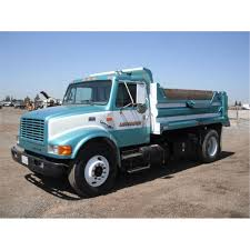 100 12 Yard Dump Truck 2000 International 4900 SA 5