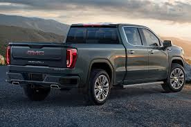 2019 GMC Sierra Denali Drops With A Split-Folding Tailgate ...
