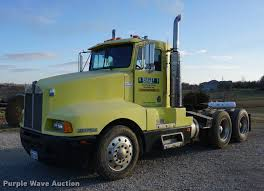 1986 Kenworth T600 Semi Truck | Item DB0296 | SOLD! December...