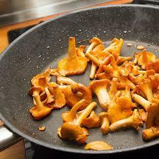 recette poêlée de girolles à l ail