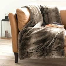 plaide canapé plaid pour canape cuir plaid fausse fourrure cracer du confort en