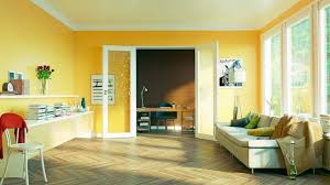 what colors make a room look bigger realtor