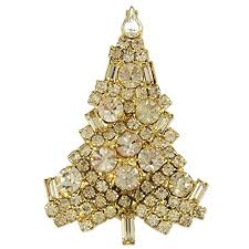 Amazon NEW CLASSIC CRYSTAL CHRISTMAS TREE BROOCH PIN MADE WITH SWAROVSKI ELEMENTS Gold Plated Base Jewelry