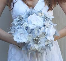 Silver Flowers For Weddings Dramatic Winter Wonderland Feathers Bridal Bouquet Camo Wedding
