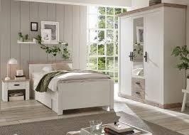 schlafzimmer komplett rovola in pinie weiß oslo pinie landhaus komplettzimmer mit bett kleiderschrank und nachttisch