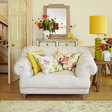 pale yellow living room decoration