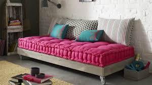 canapé style indien la banquette façon futon a tout bon diaporama photo