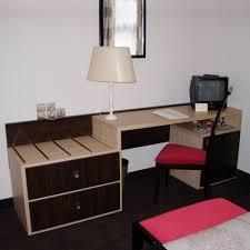 bureau pour chambre ado cuisine bureau porte bagage pour chambre d hã tel russy colli
