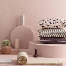 deko und accessoires in pastellfarben vom tablett bis zum