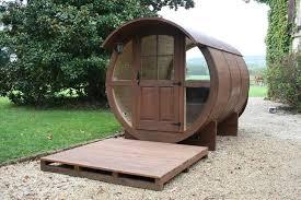 chambre d hote atypique cabane tonneau roulottes de bohème la chambre d hôte tonneau en