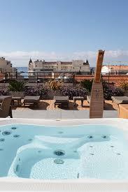 le patio des artistes cannes baignade sur les toits de cannes au best western plus hôtel le