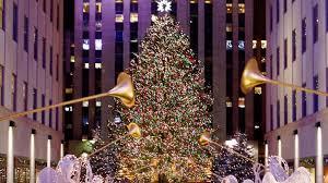 Rockefeller Christmas Tree Lighting 2018 by Rockefeller Christmas Tree Lighting Attracts Thousands