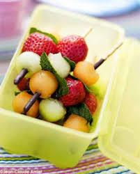 dessert aux fruits d ete brochettes croustillantes aux fruits d été pour 4 personnes