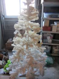 Pre Lit Flocked Christmas Tree Uk by Why Oh Why Did Our Christmas Tree Turn Yellow U2013 The Home Tome