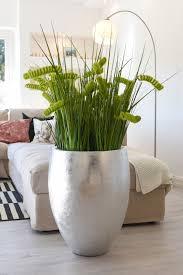 exklusiver pflanzkübel fiberglas caliso silber hochglanz