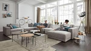 großes wohnzimmer viel platz zur gestaltung living room