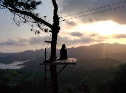 Senja Pun Datang Kembali Perlahan Selimuti Sekilas Cahaya Mentari Yang Pergi