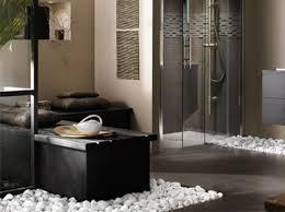 déco salle de bain en galet actuelle