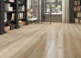 laminate flooring oak