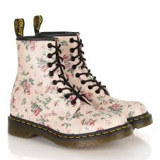 dr martens flower print boots shoes pinterest dr martens