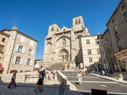 abbaye de la chaise dieu eglise abbatiale robert auvergne vacances