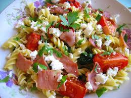 salade de pâtes froides et tomate rôtie l assiette de mimosa