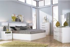 Cindy Crawford Bedroom Furniture by 7 Beautiful White Queen Size Beds From Us Stores Cute Furniture