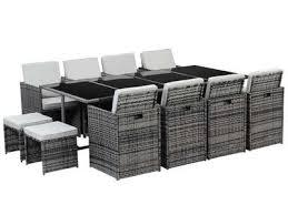 tables de jardin en resine salon de jardin résine tressée elégant et facile d entretien