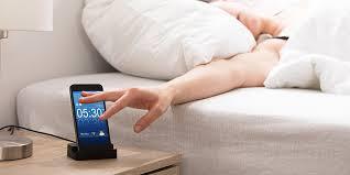 schlafen neben dem smartphone wissenswertes schlafen