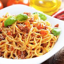 recette spaghetti à la bolognaise au parmesan râpé facile rapide