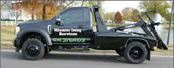 Milwaukee Towing Service - (414)-376-2107