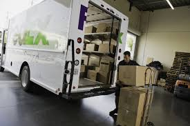 Online Shopping Boosts FedEx Holiday Volume | Business Wire