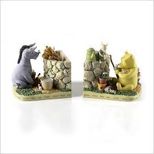 Disney Garden Decor Uk by Winnie The Pooh In The Garden Bookends Classic Pooh Amazon Co
