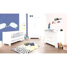 chambre bébé lit commode chambre bebe avec lit evolutif pack lit cm commode a 2 chambre bebe