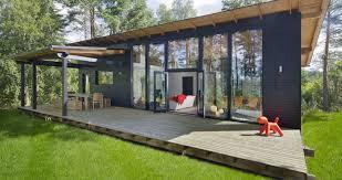 maison préfabriquée contemporaine à ossature bois en verre
