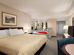 Skylon Tower Revolving Dining Room by Travelodge By The Falls Niagara Falls Canada Booking Com