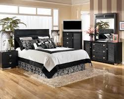 White And Black Bedding by Lovely Bedroom Design By Eduardo Arruga Homesfeed