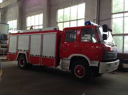 100 Emergency Truck China Dongfeng 6000L Forest Fire Fighting Loading