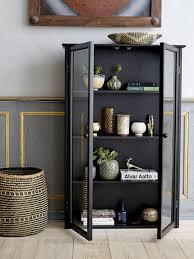 bloomingville schwarze vitrine aus kiefernholz nordisch