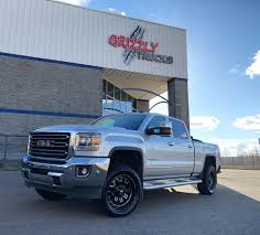 Grizzly Trucks - Checkout This GMC Duramax Rocking 👉 🔴Fuel ...