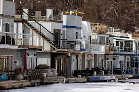 100 Boat Homes Floating Home For Sale At Scarborough Bluffs Is Pretty Much