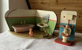 sehr altes badezimmer für puppenstube inkl antikes püppchen