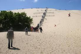 montée d escalier photo de dune du pilat la teste de buch