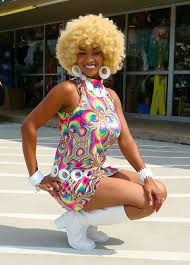 Cute Retro Shell Dresses 1970s Disco Costumes Wigs Jewelry 70s Inferno Reds Roadhouse Kennedale TX July 8 2017