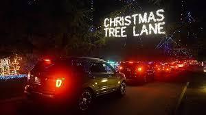 Christmas Tree Lane Fresno by Christmas Tree Lane Female Injured When Object Thrown At Vehicle