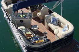 Crest Pontoon Captains Chair by Crest Has Created A Classic Pontoon U0026 Deck Boat Magazine