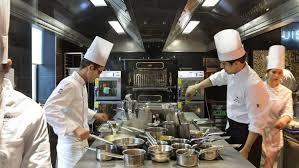ecole cuisine de ecole de cuisine free est luune des stagiaires qui